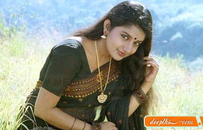 http://movies.deepthi.com/malayalam/actress/images/Meera-Jasmine.jpg