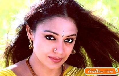 http://movies.deepthi.com/malayalam/actress/images/Shobhana.jpg